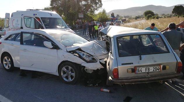 Banaz, Öksüz Köyü Yol Ayrımında Kaza!
