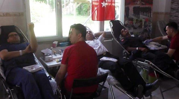 İl Jandarma Komutanlığı'ndan Kızılay'a Kan Bağışı