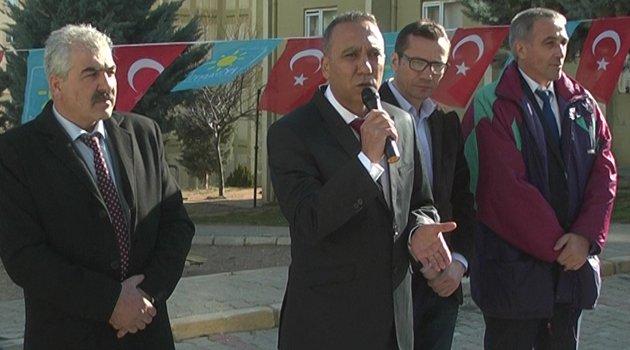 İYİ Parti Uşak Belediye Başkan Adayı Muhammet Gür,VATANDAŞIN GERİSİNDE KALAN BİR BELEDİYECİLİK YAPMAYACAGIZ,dedi.