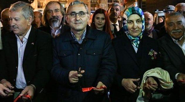Kütahya Belediyesi'nin Ramazan etkinlikleri, tarihi konukların yer aldığı Germiyan Sokak'ta başladı.
