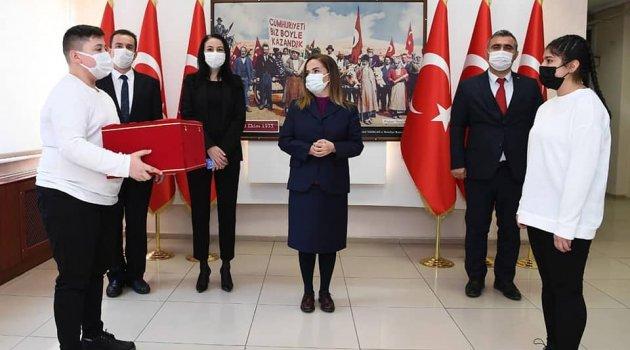 """""""Anadolu Gönül Yolu-81 Genç 81 Bayrak"""" etkinliği kapsamında bayrak devir teslim törenini gerçekleştirildi."""