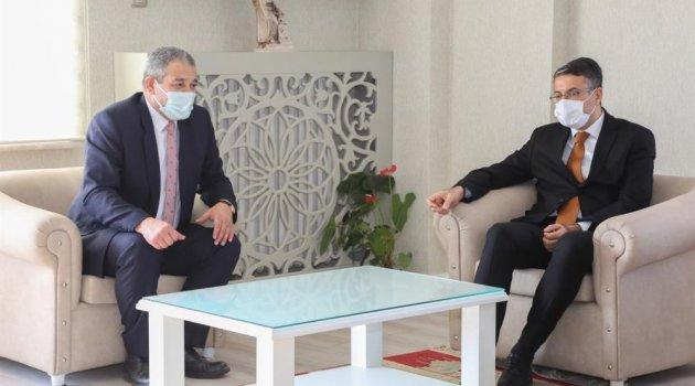 """Kütahya Valisi Ali Çelik: """"Devletimiz zorda kalanın yanında"""""""