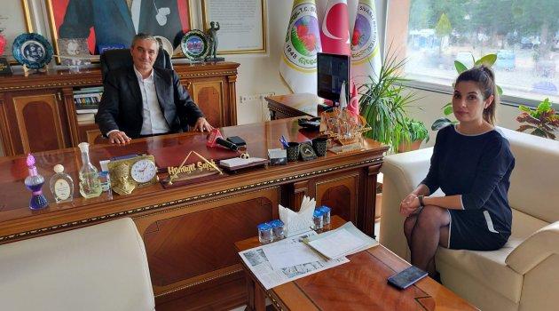 Sivaslı Belediye Başkanı Hürriyet Şafak ''Önümüzdeki yıllarda Sivaslı'da gelenekselleşen çilek festivalini Sivaslı çileği ile yapacağız''dedi.