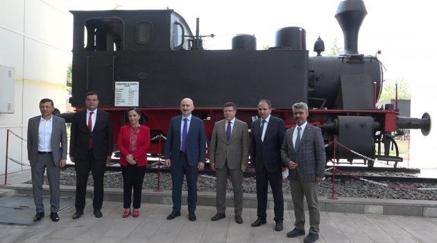 """Ulaştırma ve Altyapı Bakanı Adil Karaismailoğlu """"Uşaklıları Kısa Süre Sonra Hızlı Tren İle Buluşturacağız"""""""
