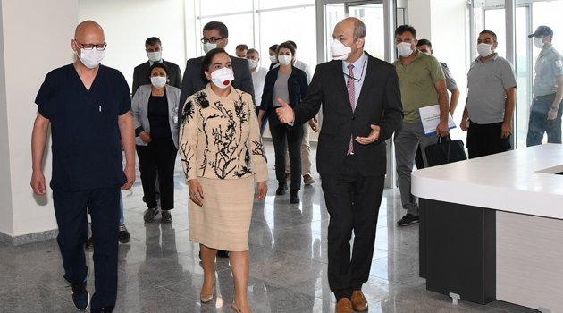 Uşak Eğitim Araştırma Hastanesi ek binası hizmete girdi