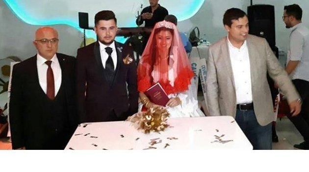 Muhtar Murat Ali Uysal'ın Kızı Kübra ile Mutlu Şentürk'tan Muhteşem Düğün