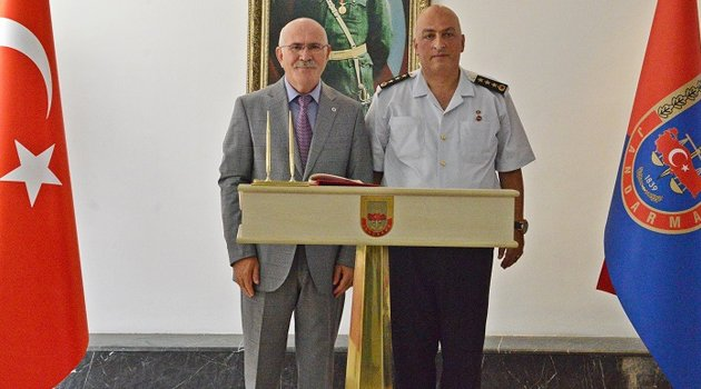 Rektör Savaş'tan, İl Jandarma Komutanlığına Ziyaret