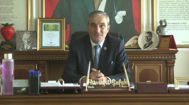 Sivaslı Belediye Başkanı Hürrüyet Şafak Çilek Festivalinin müjdesini verdi.