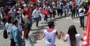 1 Mayıs İşçi ve Dayanışma Günü yurt genelinde olduğu gibi Uşak'ta da çeşitli etkinliklerle kutlandı.