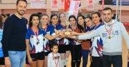 Akmonia Voleybol Turnuvası'nda Ödüller Sahiplerini Buldu