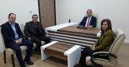 Egem TV Yönetim Kurulu Başkanı Soner Demiröz, Medical Park Uşak Hastanesi Genel Müdür Yardımcısı Osman Bağcı'yı makamında hayırlı olsun ziyaretinde bulundu.