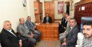 Uşak Valisi Salim Demir, '19 Ekim Muhtarlar Günü' münasebetiyle Merkez İlçe Köy Muhtarları Derneğini ziyaret etti