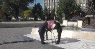 Ahilik Haftası etkinlikleri kapsamında Anıt Önüne Çelenk Bırakıldı