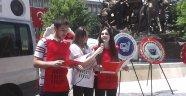 CHP ve Sivil Toplum Kuruluşları Anıt Önüüne Çelenk Bıraktı