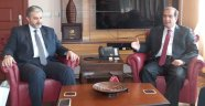 MÜSİAD Genel Başkanı Abdurrahman Kaan, Vali Salim Demir'i makamında ziyaret etti.