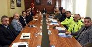 Otobüs kazalarının önlenmesine yönelik toplantı Vali Funda Kocabıyık'ın başkanlığında yapıldı