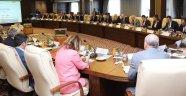 Rektör Savaş, Pilot Üniversite Rektörleri Tecrübe Paylaşım Toplantısına Katıldı