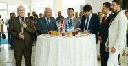 Uşak Üniversitesi'nde Ramazan Bayramı sebebiyle bayramlaşma töreni gerçekleştirildi.
