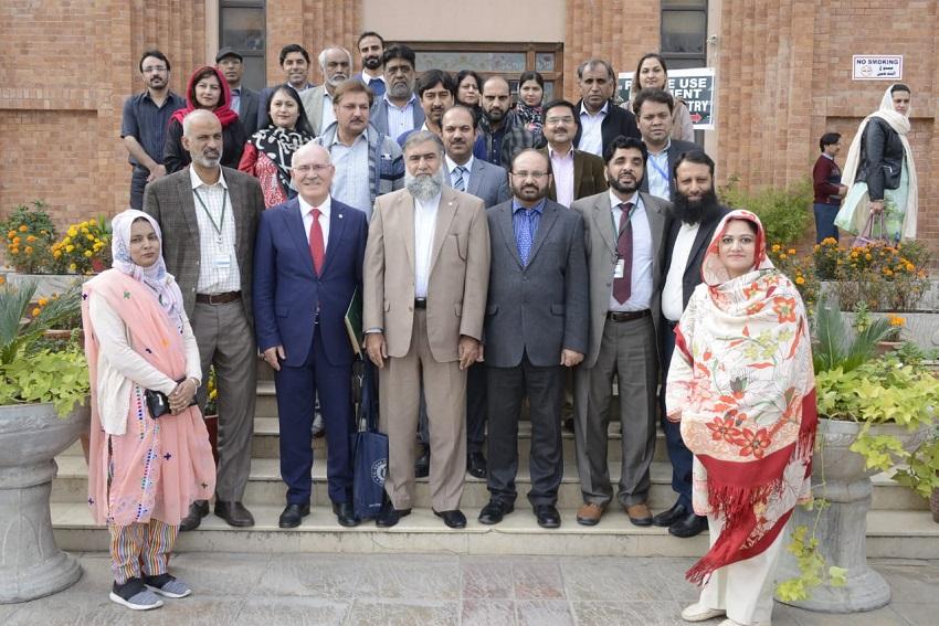 Uşak Üniversitesi, Pakistan'daki üç üniversite ile iş birliği protokolü imzaladı.
