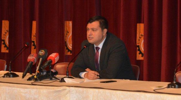 Uşak Belediye Başkanı Mehmet Çakın basın mensuplarıyla bir araya geldi.
