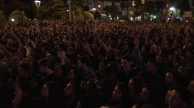 Uşak'ta on binler tekbirlerle İsrail terörünü kınadı