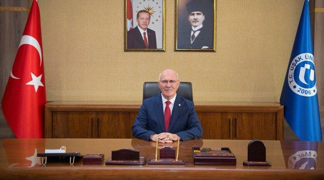 Uşak Üniversitesi Rektörü Prof. Dr. Ekrem Savaş, 10 Ocak Çalışan Gazeteciler Gününü Kutladı