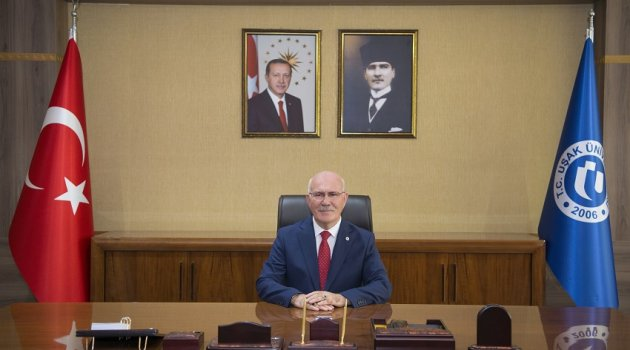 Uşak Üniversitesi Rektörü Prof.Dr.Ekrem Savaş'tan Uşak'a ve Türkiye Büyük Gurur
