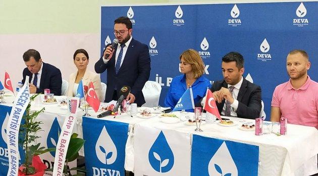 DEVA Partisi, Uşak'ta Sivil toplum kuruluşları, muhtar ve siyasi parti temsilcileri ile buluştu.